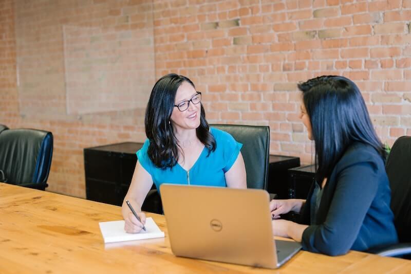 entrevista de trabajo mujeres